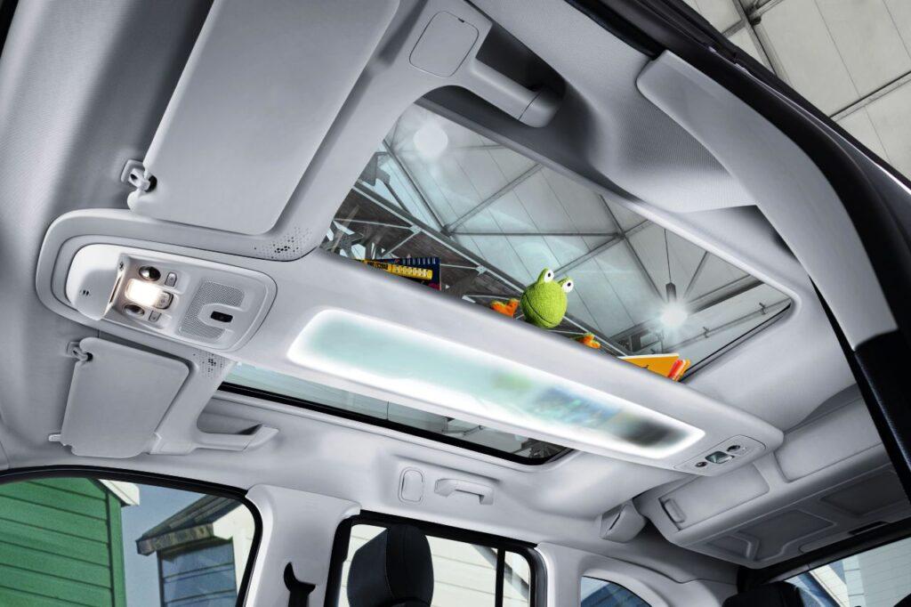 Taylors New Vauxhall Combo Life Sunroof